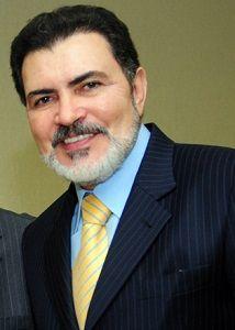 Tony Gel será candidato a prefeito de Caruaru. Ele não tem motivos para desistir da candidatura http://www.jornaldecaruaru.com.br/2016/01/tony-gel-sera-candidato-a-prefeito-de-caruaru-ele-nao-tem-motivos-para-desistir-da-candidatura/