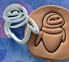 Wall-E Eve Robot Cookie Cutter Made From by CookiesNerd on Etsy