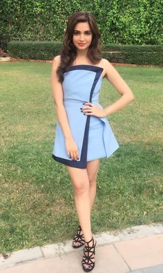 South Indian actress Kriti Kharbanda new picture gallery. Latest hot image gallery of Kriti Kharbanda. Bollywood Actress Hot Photos, Indian Bollywood Actress, Bollywood Girls, Beautiful Bollywood Actress, Bollywood Fashion, Beautiful Actresses, Indian Actresses, Teen Actresses, Fashion Week