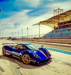 Seductive Photos, Pagani Zonda, Dream Garage, Carbon Fiber, Super Cars, Spa, Italy, Building, Travel