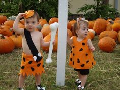 The only things that make twins in matching outfits cuter are cute Halloween costumes for baby twins. Here's a little costume inspiration for your twins! Halloween Costumes 2014, Childrens Halloween Costumes, Twin Halloween, Homemade Halloween Costumes, Cool Costumes, Halloween Ideas, Halloween 2017, Spooky Halloween, Costume Ideas