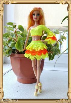 Irresistible Crochet a Doll Ideas. Radiant Crochet a Doll Ideas. Crochet Doll Dress, Crochet Barbie Clothes, Doll Clothes Barbie, Barbie Dress, Barbie Doll, Salsa Outfit, Barbie Clothes Patterns, Clothes Crafts, Barbie Friends