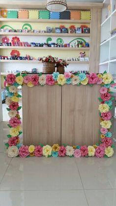 Fun idea for a garden party spring or Easter luncheon baby shower or Mothers Day… – Mothers Day – Grandcrafter – DIY Christmas Ideas ♥ Homes Decoration Ideas Photos Booth, Photo Booth Frame, Mothers Day Decor, Mothers Day Crafts, Festa Party, Luau Party, Diy Flowers, Paper Flowers, Diy Fest