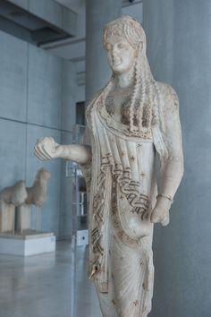 Acropolis Museum - kore votive