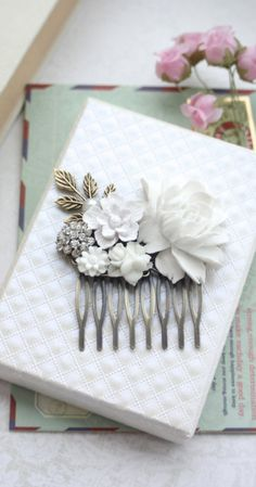 Gorgeous vintage inspired bridal comb