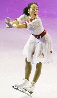 エキシビションでコミカルな演技を披露する浅田真央  http://hochi.yomiuri.co.jp/sports/winter/news/20130319-OHT1T00020.htm
