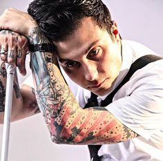 Frank Iero | he is such a beautiful disaster (but seriously he is so amazing)