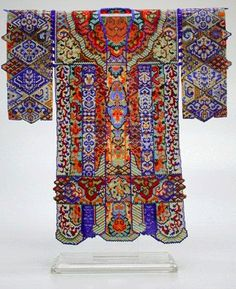 Kimono by Sharmini Wirasekara. I believe this lovely miniature is in peyote stitch. Just one of her beautiful pieces.