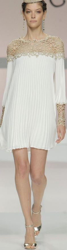 Carla Ruiz Occ' Coll' – Daily Posts for Women Fashion Details, Look Fashion, Womens Fashion, Fashion Design, Ethno Style, Mode Inspiration, Mode Style, Chic Outfits, Pretty Dresses