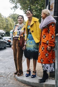 Paris Fashion Week Street Style Spring 2018 Day 8 Cont.