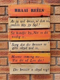 Braaier reëls Diy Garden Projects, Outdoor Projects, Built In Braai, Pallet Barn, Words To Live By Quotes, Cottage Signs, Pallet Painting, Wine Bottle Crafts, Diy Signs
