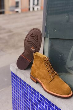 Williams Rickaby laced boot in tobacco suede. The perfect accompaniment to jeans for days spent out and about. Available online or at our Belfast store! Rm Williams, Shoe Horn, Shoe Tree, Dress With Boots, Belfast, Types Of Shoes, New Shoes, Chelsea Boots, Lace Up