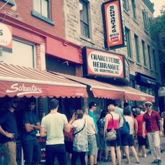 Schwartz's Deli in Montreal.best smoked meat on the planet! Charcuterie, Almond Croissant, Cheese Quiche, Pork Tacos, Tomato And Cheese, Carrot Soup, Sea Bass, Chicken Noodle Soup, Smoking Meat