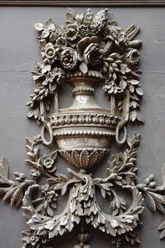 French Country Home: beautiful carving. I'm thinking Rococo carvings on the exterior of the chalet could be so beautiful.