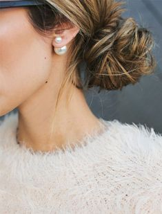 A modern take on pearls - paired with a loose chignon. Double Pearl Earrings, Tribal Earrings, Sapphire Jewelry, Sapphire Earrings, Emerald Jewelry, Mint Earrings, Sapphire Pendant, Ruby Pendant, Blue Sapphire