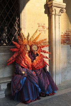 Maschere al Carnevale di #Venezia the most popular event in Venice read more http://urly.it/2866