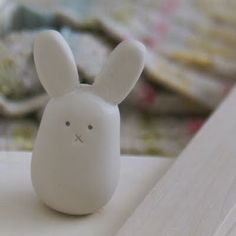 ArtMind: Tiny bunny love - make a bunny following her pictures ... Or make a dozen! ;-)
