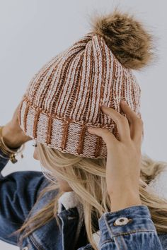 44d6da04 Winter beanie outfit inspiration for women | ROOLEE Smart Casual Winter  Outfits, Winter Dress Outfits