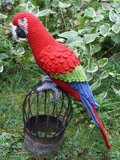 Amigurumi Red-and-Green Macaw/Parrot- crochet pattern, PDF