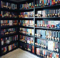 Ok, maybe not black bookshelves…but everything else, Yes please… - Bücherregal Dekor