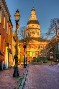 Less than 2 hours from school, Annapolis, MD is a fun and beautiful town students  sometimes visit on a day trip. Image from http://www.google.com