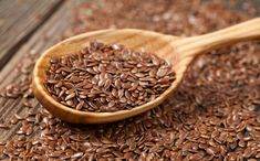 You can lose weight with flax seeds. Control blood sugar level & reduce cholesterol with flax seeds. Health benefits of flax seed Superfoods, Health Benefits, Health Tips, Anti Inflammatory Herbs, Omega 3, Blood Pressure Remedies, Natural Health Remedies, Menopause, Chia Seeds