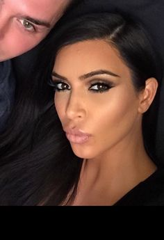 LOVE her makeup here