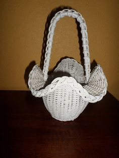 Vintage/WHITE WICKER HANDLE Basket/Small by HighlyCollectable