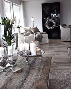 Monochromatic  @Yeltdesign @Yeltdesign .@yeltsincabarcas #yeltdesign #interiordesign #design #homedecor #home #decoration #designer #style #interior #beautiful #instadecor #architecture #interiors #modern #house #inspiration #interior4all  #furniture #luxuryliving #interior123 #homedesign #deco #follow #like4like #like #venezuela #panama #colombia #diseñointerior #arquitectura by yeltdesign