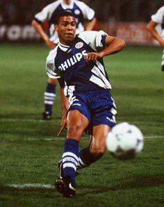 Ronaldo Luiz Nazario Dalima, my all time inspiring strikers. Deadly speed, perfect finishing #legends