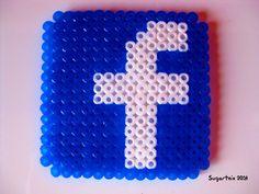 Icono de Facebook en hama midi (posavasos) Si te gusta puedes adquirirlo en nuestra tienda on-line: http://www.mistertrufa.net/sugarshop/ Ver más en: http://mistertrufa.net/librecreacion/groups/hama-beads/