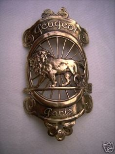 This is most likely an early, and very rare, version of the Raleigh headbadge. Interesting how the detail has changed over the years, huh?