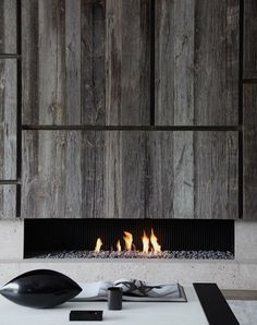 Collection of modern fireplace designs with contemporary styles. Will greatly spoil your eyes with a modern and contemporary look. Home Fireplace, Fireplace Surrounds, Fireplace Design, Linear Fireplace, Minimalist Fireplace, Concrete Fireplace, Metal Fireplace, Fireplace Ideas, Fireplace Facade