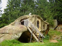 rock built homes - AOL Image Search Results Crazy Houses, Little Houses, Fairy Houses, Hobbit Houses, Cob Houses, Tree Houses, Underground Homes, Gnome House, Unusual Homes