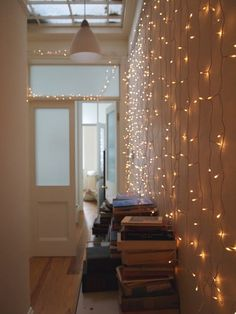 Starry Starry String Lights : Decor Ideas for Year Round! Starry Starry String Lights : Year Round H My New Room, My Room, Dorm Room, Starry String Lights, Light String, Sweet Home, Sweet 16, Home And Deco, Apartment Living