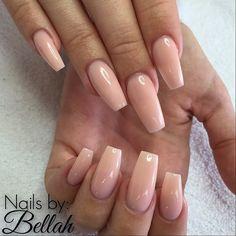 Mikaela, efter: påfyllning efter 5 veckor. Naturella mjölkrosa  #nails #by #me #gelnails #gelénaglar #nailart #naildesign #dopenails #OPI #nailsbybellah