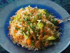Rouva Kasvis: Talven paras purkkisalaatti Alsace, Cabbage, Vegetables, Food, Essen, Cabbages, Vegetable Recipes, Meals, Yemek