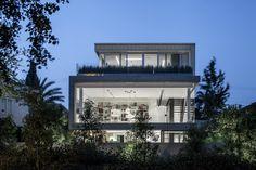 Galeria de Um Corte Concreto / Pitsou Kedem Architects - 8