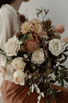 Tips for Keeping Your Cut Flowers Fresh Here's how to give your blooms the magic touch they need. Bunch Of Flowers, Fresh Flowers, Beautiful Flowers, Small Flowers, Wild Flowers, Floral Wedding, Wedding Bouquets, Wedding Flowers, Exotic Flowers