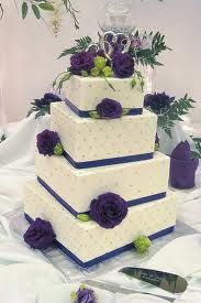I love purple and sage for wedding colors, and this one takes the cake.! Heh, get it?