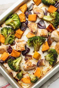One Pan Broccoli, Sweet Potato, and Chicken Dinner for Easy Clean-Up Healthy Dinner Recipes, Healthy Dinner Options, Skinny Recipes, Simple Recipes, Free Recipes, Vegan Recipes, Nutritious Meals, Healthy Meals, Healthy Food