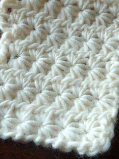 Star / Daisy Stitch - written and video tutorial #crochetsquares