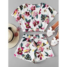 To find out about the Floral Print Wrap Top With Shorts at SHEIN, part of our latest Two-piece Outfits ready to shop online today! Teen Fashion Outfits, Outfits For Teens, Boho Fashion, Girl Fashion, Fashion Dresses, Cute Summer Outfits, Cute Casual Outfits, Crop Top Outfits, Teenager Outfits