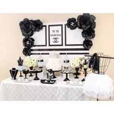 Festa com decoração Chanel