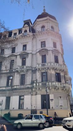 What to Expect in the Breathtaking City of Havana Cuba - The Swiss Freis - Cuba Travel Destinations Visit Argentina, Argentina Travel, Cuba Travel, Travel Usa, Cuba Honeymoon, Argentine Buenos Aires, Visit Cuba, Equador, And So The Adventure Begins
