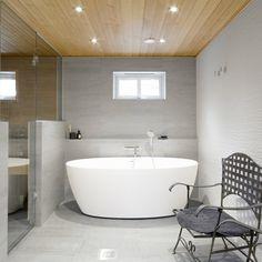 skandinaavinen kylpyhuone - Google-haku Bathroom Toilets, Bathrooms, Kitchen Room Design, Scandinavian Bathroom, Clawfoot Bathtub, Modern, Google, Design Of Kitchen, Trendy Tree