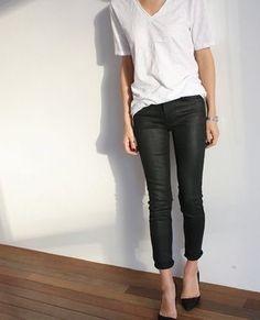 Minimal + Classic - preto e branco Look Fashion, Autumn Fashion, Fashion Outfits, Fall Outfits, Mode Style, Style Me, Giorgio Armani, Black And White Outfit, Black White