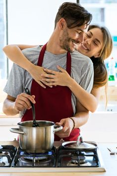 Go Primal for Valentine's Day. Nothing says love like a home-cooked meal. Make your sweetheart a romantic Paleo/Primal meal using tips from our resident nutritionist. Sweet Couple, Love Couple, Couple Goals, Romantic Meals, Romantic Couples, Photo Couple, Couple Photos, Asking Someone Out, Inspiration For The Day