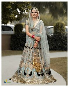 Top Punjabi Bridal Looks You Must Consider For Your Punjabi Wedding Sikh Bride, Punjabi Bride, Punjabi Wedding, Summer Wedding Outfits, Bridal Outfits, Wedding Looks, Bridal Looks, Latest Bridal Lehenga Designs, South Indian Weddings