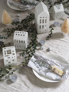 Simple, Scandinavian Christmas decorations with Kahler - Christmas tealight houses - cosy Christmas - hygge Christmas Hygge Christmas, Christmas Wall Art, Christmas Quotes, Christmas Time, Christmas Ideas, Cosy Christmas, Natural Christmas, Christmas 2017, Beautiful Christmas